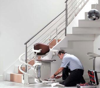 installateur monte escalier